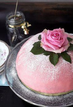 For a tea party. Beautiful Desserts, Beautiful Cakes, Vegan Sweets, Vegan Desserts, Princess Torte, Marzipan Cake, Swedish Recipes, Vegan Cake, Pretty Cakes