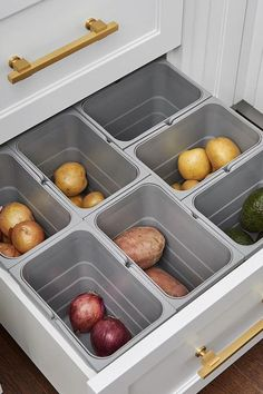 A great kitchen storage organization drawer hack to keep food provisions out the way and stored efficiently. #kitchenorganizationideas #kitchendrawerorganization #kitchenorganisation #organisationideas #organizationideasforthehome #kitchenstorageideas #drawerstorageideas