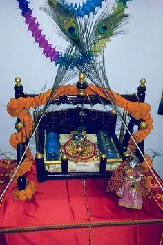 Baby Krishna On Swing Golu Dolls Krishna Leela Set Pinterest Krishna Babies And Baby Krishna