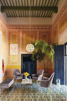 Home Decoration Inspiration Plywood Furniture, Decor Interior Design, Interior Decorating, Tuscan Style Decorating, Italian Interior Design, Interior Paint, Decorating Tips, Cuban Decor, Zona Colonial
