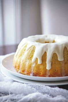 Lemon Champagne Bundt Cake