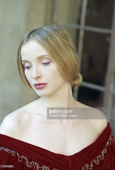 Rendezvous With Julie Delpy. Julie Delpy, Julie Newmar, Prettiest Actresses, Beautiful Actresses, Julie Andrews, French Beauty, French Actress, Celebs, Celebrities