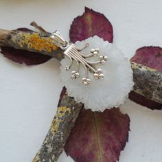 Solar-Quarz-weiss-Blumen-Anhaenger-925-Sterling-Silber