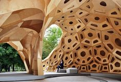 Temporary structure at the Uni of Stuttgart made from plywood. Nice.