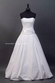 cd6c98cbe1a Wedding Dresses White Dress Satin - Bílé svatební šaty se skládanou  saténovou sukní -Svatební studio Nella
