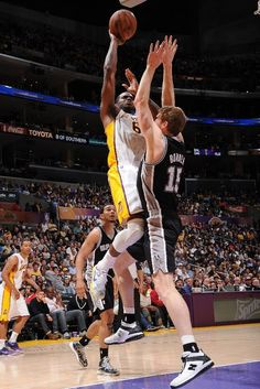 Los Angeles Lakers Basketball - Lakers Photos - ESPN