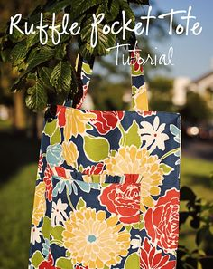 My friend Mallory  and I teamed up to put together a tutorial to make this cute tote!  Not only is Mallory great at doing hair, but she i...