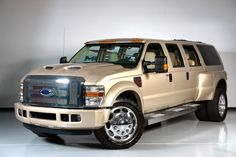 I finally found one! I& been dreamin& of a truck like this for yrs. Dually Trucks, Jeep Truck, Lifted Trucks, Pickup Trucks, Ford Excursion, Ford Diesel, Diesel Trucks, Ford Lincoln Mercury, Cool Trucks