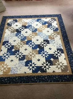 Disappearing Hourglass. Tutorial it's found on Missouri Star Quilt Co