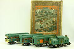 Antique Pre-War c. 1925 LIONEL 10 Electric 4-Pc Tin Train Set Boxed 352T #Lionel