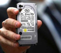 本物のハードドライブを思わせるiPhoneケース「Hard Drive iPhone Case 」