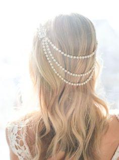 Idéias de penteados e acessórios modernos para noivas
