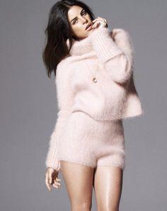 Julia Restoin Roitfeld - Pretty in fuzzy Pink (2)