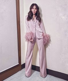 Kathryn Bernardo Photoshoot, Kathryn Bernardo Outfits, Daniel Padilla, Power Dressing, Spring Outfits, Duster Coat, Stylists, Fashion Outfits, Jackets