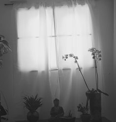 Maak een vals raam in een donkere ruimte, zonder te verbouwen…