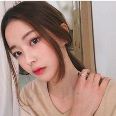 ulzzang, girl, and korean image Uzzlang Girl, Girl Face, Hong Young Gi, Korean Beauty, Asian Beauty, Bora Lim, Korean Hairstyles Women, Ulzzang Makeup, Beauty Makeup
