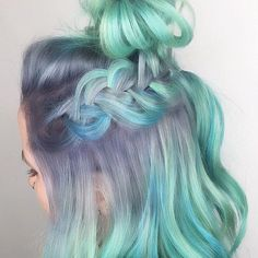 This masterpiece was created by the talented @candicemarie702 by diluting Translyvania Neon Moon Poseidon Aquamarine by arcticfoxhaircolor