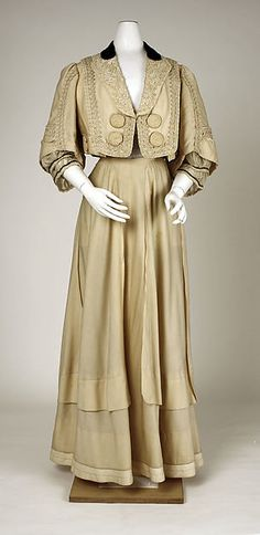 Suit Design House: Raudnitz and Co. - Huet and Chéruit  Designer: Chéruit  Date: 1905 Culture: French Medium: wool, silk, cotton Accession Number: C.I.50.116.2a, b