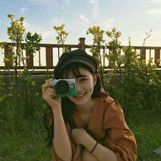 Image uploaded by 노을 ☾. Find images and videos about girl, photography and korean on We Heart It - the app to get lost in what you love. Ulzzang Korean Girl, Cute Korean Girl, Asian Girl, Korean Aesthetic, Aesthetic Girl, Korean Best Friends, Uzzlang Girl, Cute Poses, Tumblr Girls