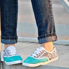 Easily make your plain canvas shoes interesting with sharpies!