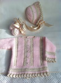 CANASTILLA ARTESANAL Knitting For Kids, Baby Knitting, Baby Patterns, Crochet Patterns, Tricot Baby, Knit Basket, Baby Princess, Heirloom Sewing, Newborn Outfits