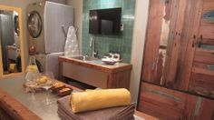 Design V.I.P. - La salle de lavage d'Anaïs Favron Decoration, Laundry Room, Vanity, Interior Design, Architecture, Attitude, Studios, Transforming Furniture, My Dream House