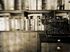How to Write a Great Mystery Novel - eBooks India | eBooks India