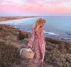 Pretty as a picture @elisecook you stunning thing || wearing @arnhem_clothing dress and @indieandharper anklet