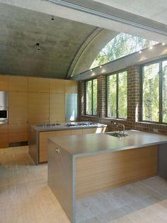 Concrete House in California Disclosing An Original Architecture