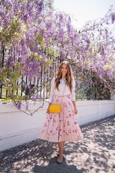 Gal Meets Glam April Flowers - Club Monaco sweater, Red Valentino skirt c/o, Chloe flats & Chanel bag Spring Summer Fashion, Spring Outfits, Spring Style, Fall Fashion, Look Rose, Spring Skirts, Spring Dresses, Mode Chic, Looks Chic