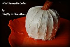 How to Make Easy Mini Pumpkin Cakes for Halloween