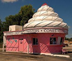 ice cream in St Joseph, Missouri Unusual Buildings, Oldschool, Roadside Attractions, Old Signs, St Joseph, Picture Design, Kitsch, Missouri, Pretty In Pink