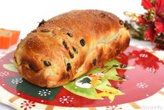 Raisin Bread was specifically required by my mom, who had tasted this bread in Trentino and had loved it. Tea Loaf, Raisin Bread, Pizza, Bread And Pastries, Cannoli, Sweet Bread, Biscotti, Fett, Bread Recipes