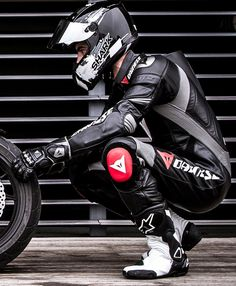 Biker lads and trackie lads to the front please Bike Leathers, Motorcycle Suit, Sport Bikes, Motorbikes, Leather Men, Bikers, Sports, Motorcycles, Boys