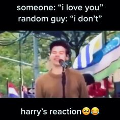 Harry Styles Smile, Harry Styles Funny, Harry Styles Edits, Harry Styles Baby, Harry Styles Pictures, Harry Edward Styles, Four One Direction, One Direction Videos, One Direction Humor