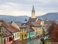 Medias-Romania-medieval-european-architecture-romanian-cities-romania-32258417-1024-778.jpg 1 024 × 778 pixels