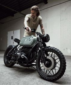 Ideas motorcycle cafe racer bmw for 2019 Bmw Cafe Racer, Estilo Cafe Racer, Cafe Racer Style, Cafe Bike, Cafe Racer Build, Best Motorbike, Cafe Racer Motorcycle, Moto Bike, Motorcycle Gear