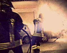 Nell'auto in fiamme, c'è un cadavere! http://tuttacronaca.wordpress.com/2014/02/06/nellauto-in-fiamme-ce-un-cadavere/