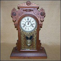 Antique 1905 Waterbury Gingerbread Chiming Clock