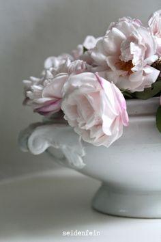 seidenfein 's Dekoblog: Dornröschen-Rose * Rosebud's roses