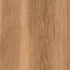 Dotek přírody neuvěřitelně realistických dekorů kolekce Wood, ještě více umocněný přiznanou V-spárou vinylových lamel. Nechte se jimi okouzlit.