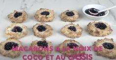 Macarons à la noix de coco et au cassis Muffin, Menu, Breakfast, Food Porn, Menu Board Design, Muffins, Cupcake, Menu Cards, Cup Cakes