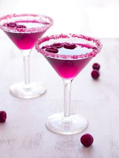 How to make a pink raspberry cosmo