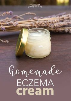 Homemade Eczema Cream Recipe for Dry Winter Skin - Five Spot Green Living - - Here is an easy and super-quick recipe for natural homemade eczema cream you can make at home that will treat the symptoms and help comfort your skin. Homemade Skin Care, Homemade Beauty Products, Homemade Body Butter, Eczema Remedies, Natural Remedies, Natural Treatments, Aloe Vera Creme, Do It Yourself Inspiration, Vaseline