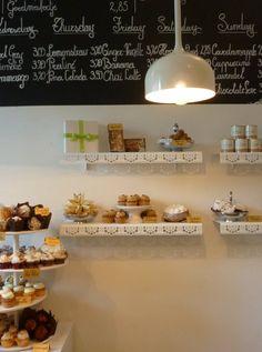 Momade Cupcakes   Antwerp, CHALKBOARD AND DISPLAY SHELVES