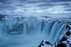 ゴーザフォスの滝(アイスランド)