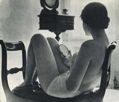 Lounge figure
