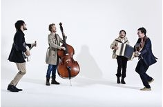 Your Daily Dose of Mumford and Sons, September 29th, 2014, features pictures and the boys perform The Banjolin Song for Balcony TV in 2008 in your daily video. http://mumsonfans.com/daily-dose-mumford-sons-151/