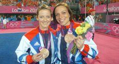 Matrimonio, componentes del mismo equipo olímpico, y ahora medalla de oro http://hayunalesbianaenmisopa.com/2016/08/22/matrimonio-componentes-del-mismo-equipo-olimpico-y-ahora-medalla-de-oro/