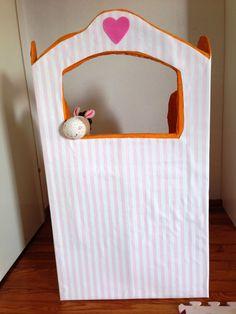 """""""Darf ich ein Puppentheater haben?"""" du brauchst: einen großen Karton - Pappmaché - viel Farbe - Tapete und dann natürlich die Figuren und jede Menge Ideen"""